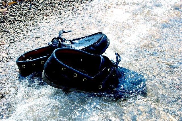 boty ve vodě