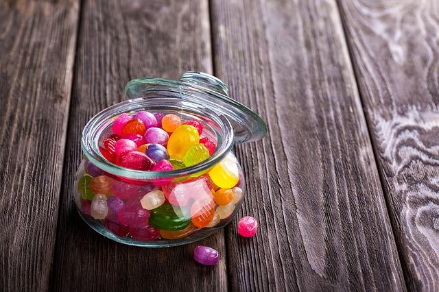 sladkosti v dóze